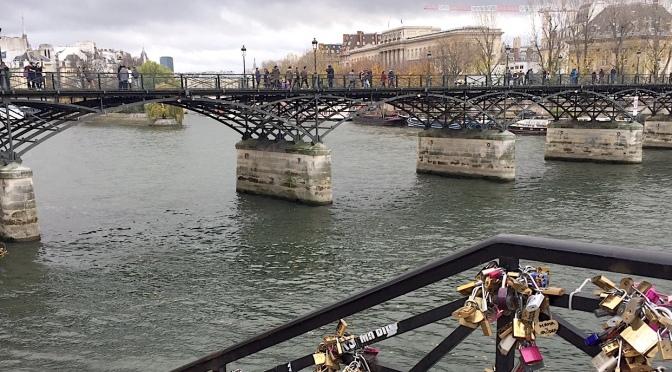 Grande traversée de Paris, au soleil ou sous la pluie..