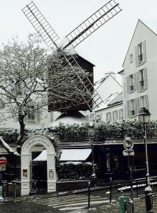 moulin de la Galette à Paris, paris sous la neige , rando hivernale