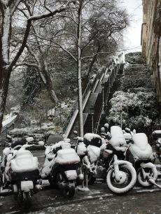 butte montmartre, paris enneigé, randonnée parisienne